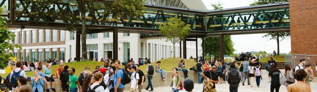 UNIVERSITY OF MASSACHUSETTS выбираем, где учиться в США - в Нью-Йорке или в Бостоне? 20 квітня вибираємо, де вчитися в США — в Нью-Йорку або в Бостоні?